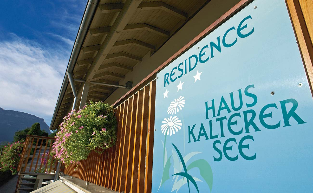 Sign of the apartments of the Residence Kalterer See